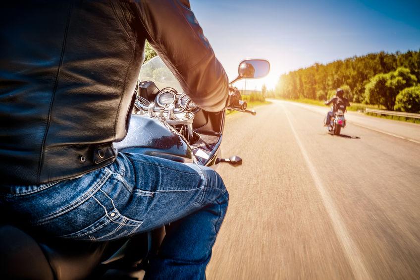 Comment faire du tourisme à moto